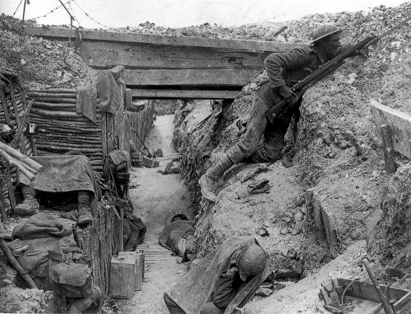 Britisk soldat nær Sommes i 1916