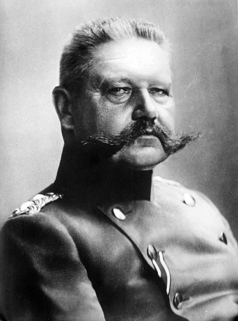 Rrigskansler Paul von Hindenburg