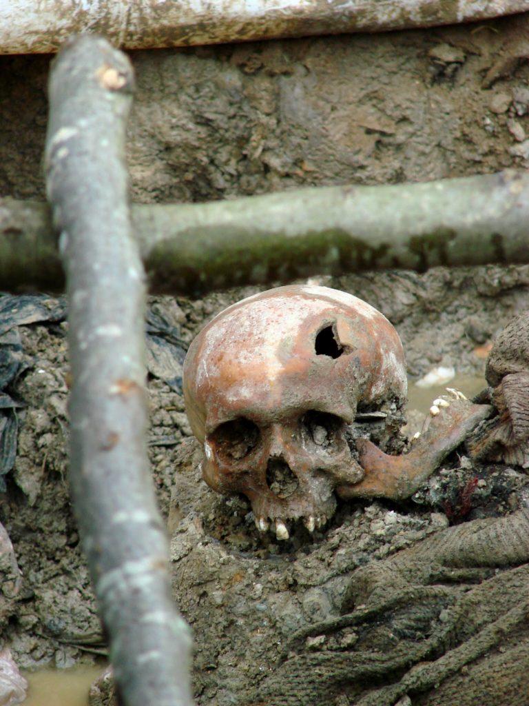 Udgravning af massegrav ved Srebrenica i 2007